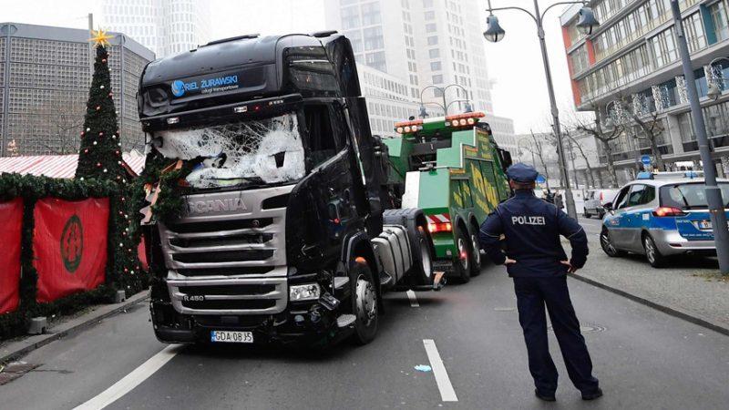 Zamach w Berlinie przy pomocy polskiej ciężarówki: 12 osób nie żyje, 48 rannych