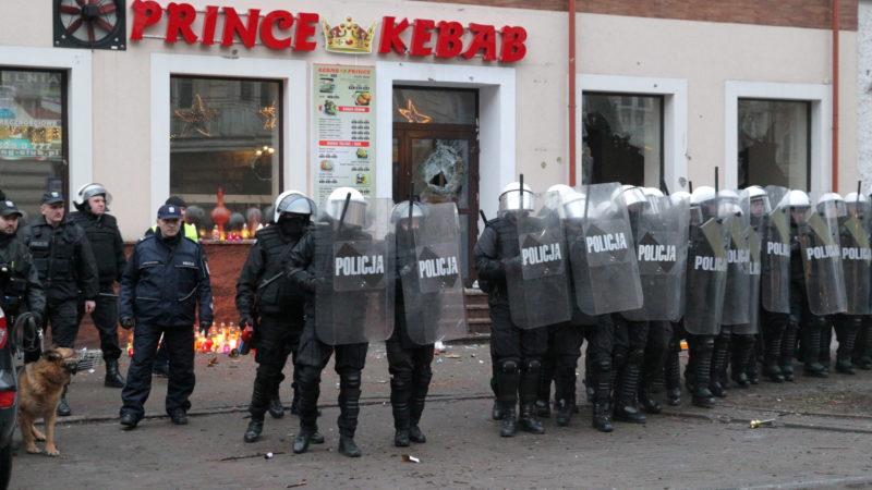 Zabito 21-latka w Ełku, podejrzani obcokrajowcy, zdemolowano kebab
