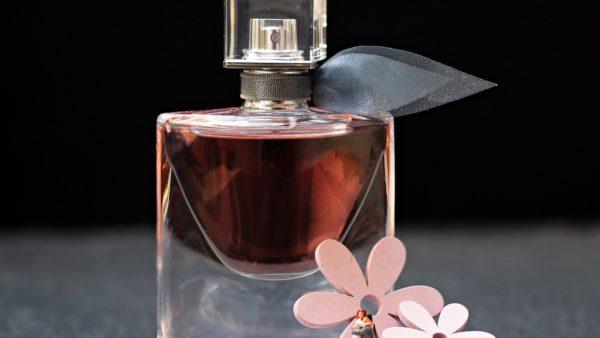 Perfumy rzecz konieczna dla kobiety